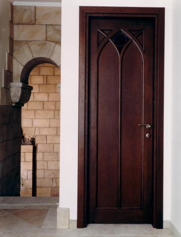Деревянные двери на заказ по своим размерам