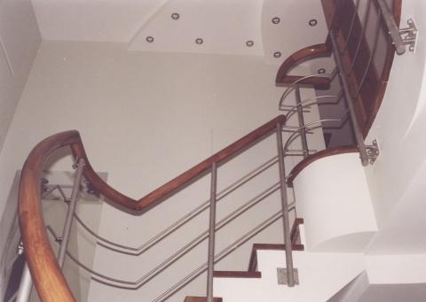 Лестница на заказ Москва