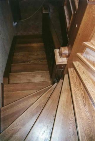 Лестницы из дуба на заказ